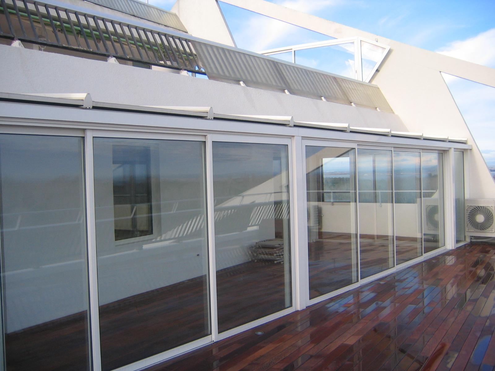 baies en aluminium menuiserie sur mesure dans le gard. Black Bedroom Furniture Sets. Home Design Ideas